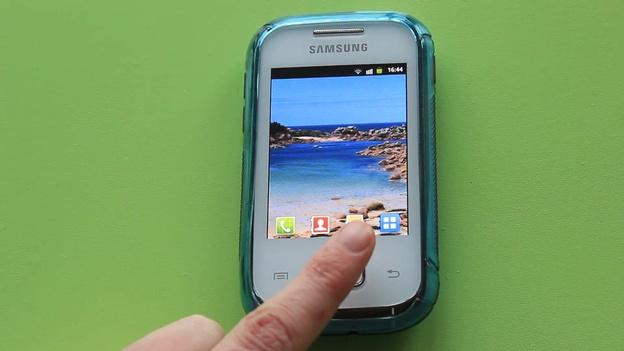 Öffnen Sie das Menü Ihres Handys.