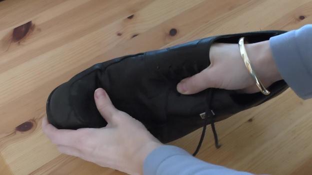 Leder bewegen bis es trocken ist.