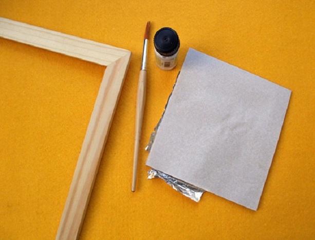 Benötigte Materialien zum Auftragen des Blattgoldes.