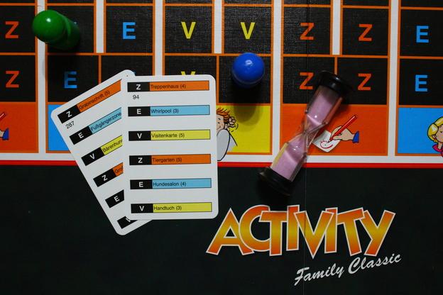 Einrichtung Spiele Für Erwachsene