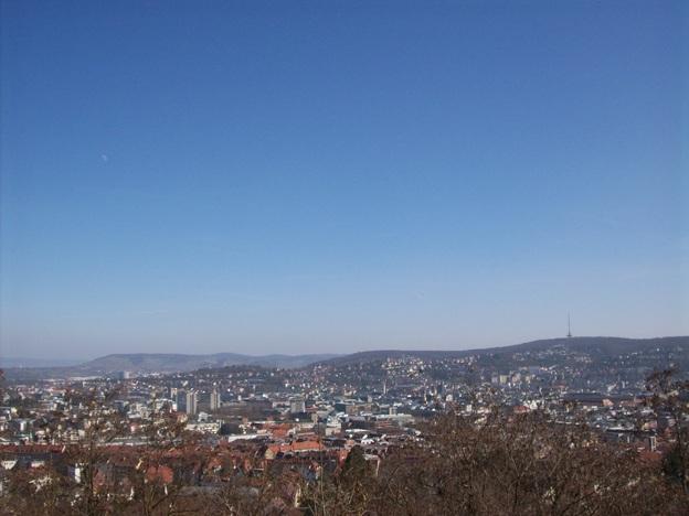 Blick von unterhalb des Kräherwalds auf die Stadtmitte