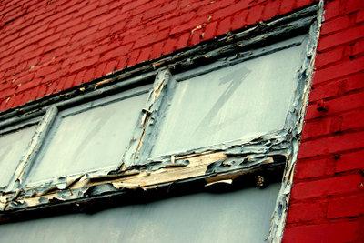 Gerade Altbaufenster sind häufig undicht.