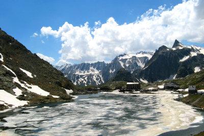 Die Schweizer lieben ihre Berge.