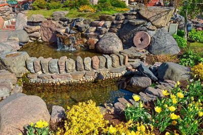 Gestalten Sie Ihren Garten mit Natursteinen.