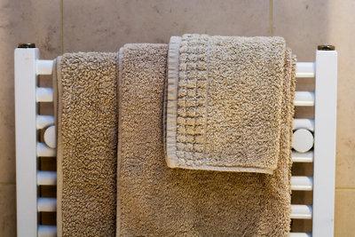 Machen Sie Ihre Heizung zum Handtuchhalter.