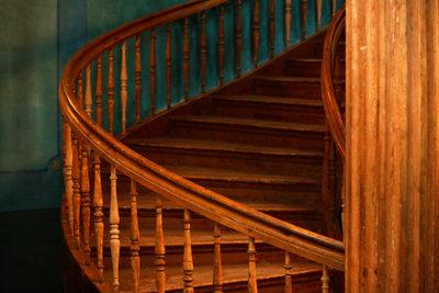 Eine Holztreppe perfekt wiederherstellen.