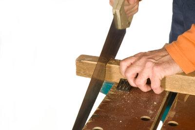 Arbeiten an der eigenen Holzwerkbank.
