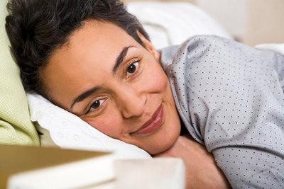 Ausgeruht und entspannt dank natürlicher Schlafmittel.