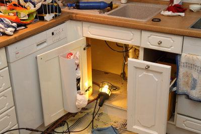 Bauen Sie sich Ihren Küchenunterschrank selbst.
