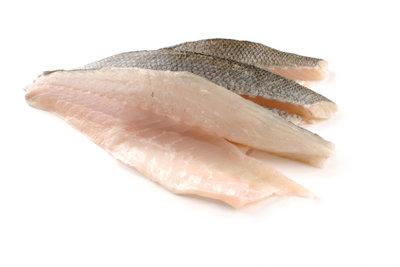 Aus Fischfilets werden Fische in Folien.