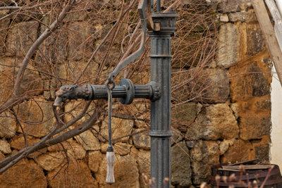 Gartenbrunnenpumpen müssen richtig bedient werden.