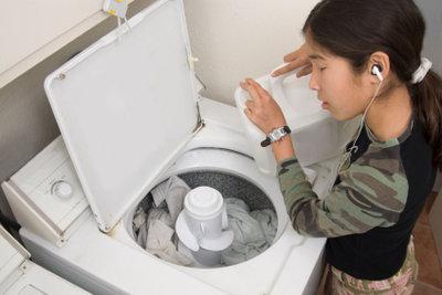 Die Dosierung ist bei Waschmittel wichtig.