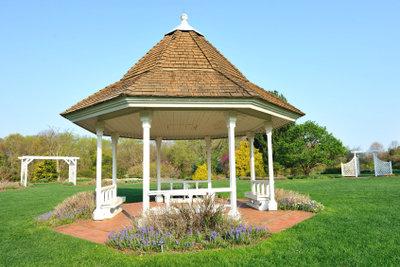 Bauen Sie Ihren Gartenpavillon ganz individuell.
