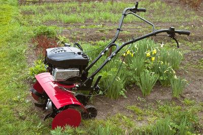 Eine Motorhacke erleichtert die Gartenarbeit
