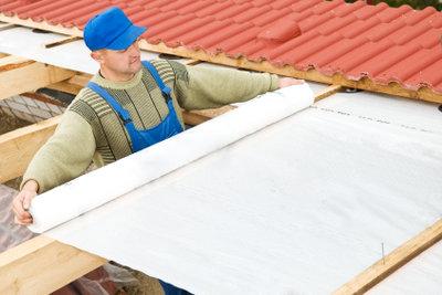 Unter einem PVC-Dach gehört Folie