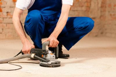 Ein Exzenterschleifer ist für Heimwerker unentbehrlich.