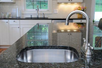 Granit im Wohnbereich braucht besondere Pflege.