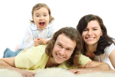 Hochflorteppiche findet die ganze Familie kuschelig.