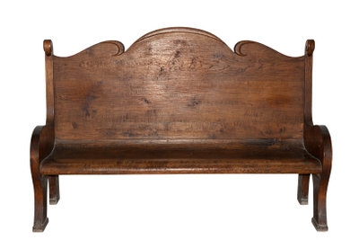 Restaurieren Sie alte Möbel selbst.