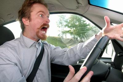 Autofahren ohne Klimaanlage kann aggressiv machen