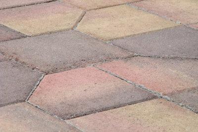 Terrassenplatten zu versiegeln, wäre empfehlenswert.