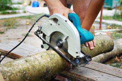 Eine der beliebtesten Heimwerkermaschinen: die Handkreissäge