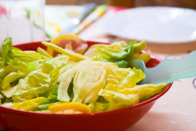 Eine leckere Idee: Fenchelsalat mit Zitrone.