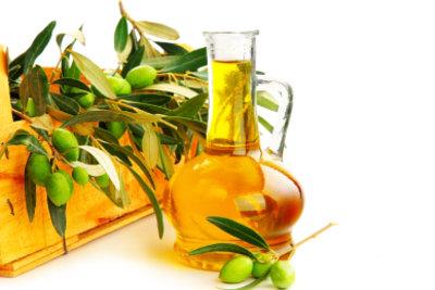 Olivenöl hilft bei eingerissenen Fingerkuppen.