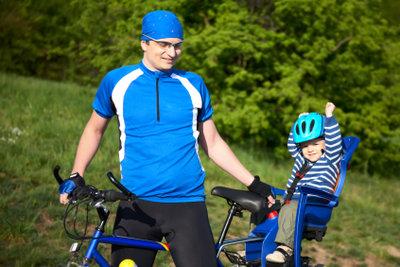 Sicher mit Kind im Fahrradsitz unterwegs