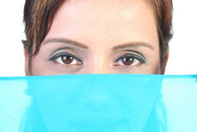 Einblutungen im Auge sind meist harmlos.