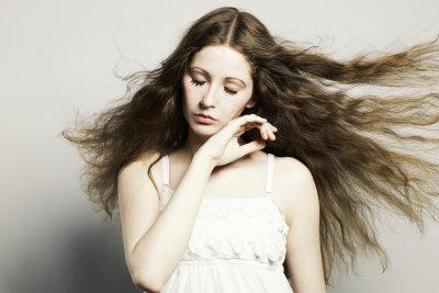 Frisieren Sie sich glatte Haare!