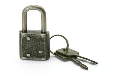 Bauen Sie einen Schlüsselkasten aus Holz.