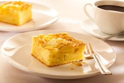 Backen Sie einen fettarmen Apfelkuchen.