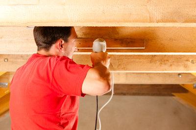Energiekosten sparen Sie mit einer Dachdämmung.