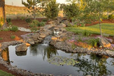 Ein Teich ausgelegt mit Teichfolie.