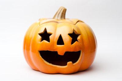 Zu Halloween gehört immer ein Kürbis.