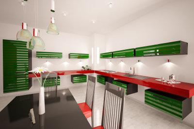 Alte Küchenschränke machen moderne Küchen gemütlich.