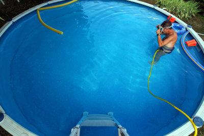 Bauen Sie Pools mit Sorgfalt auf.