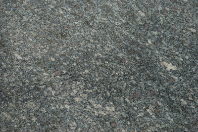Granit ist relativ einfach zu verlegen.