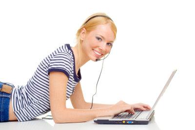 Über Skype können Sie Kontakt halten.
