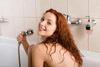 Allein duschen kann auch Spaß machen.