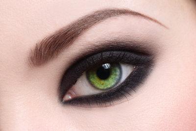 Farbige Kontaktlinsen sorgen für Aufmerksamkeit.
