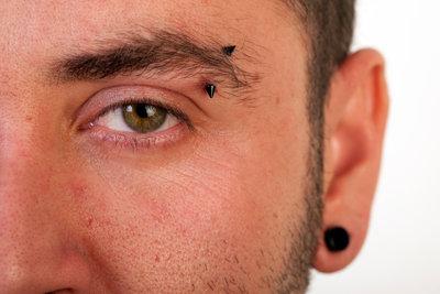 Piercing-Pflege ist nicht schwer.