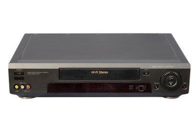 Ein Videorecorder lässt sich leicht anschließen.