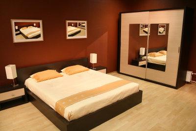 Motten lieben auch Ihren Schlafzimmerschrank.