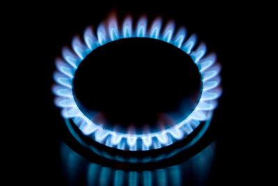 Gas erzeugt schnelle Hitze beim Braten.