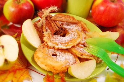 Appetit auf süße Apfelküchlein?