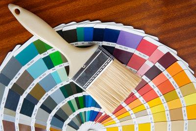Mit Naturfarben kann Holz gestrichen werden.