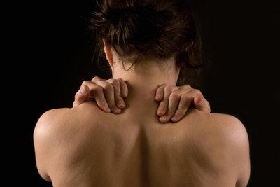 Muskelkater kann sehr schmerzhaft sein.