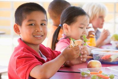 Kindergeburtstage erfordern kein kompliziertes Essen.